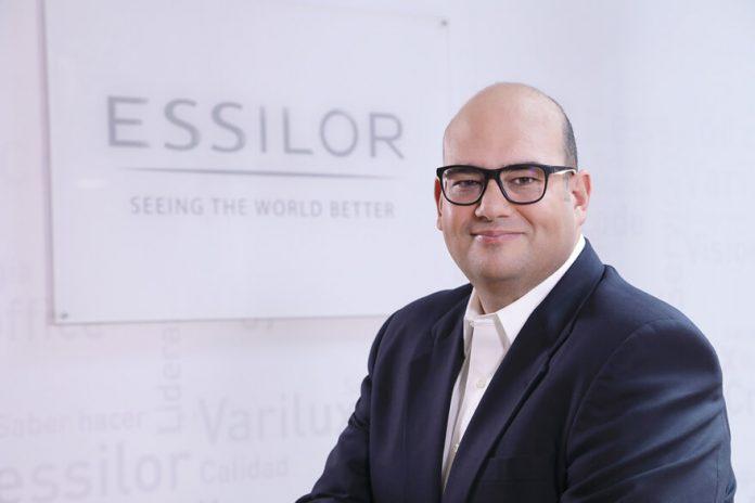 Pedro Cascales Essilor