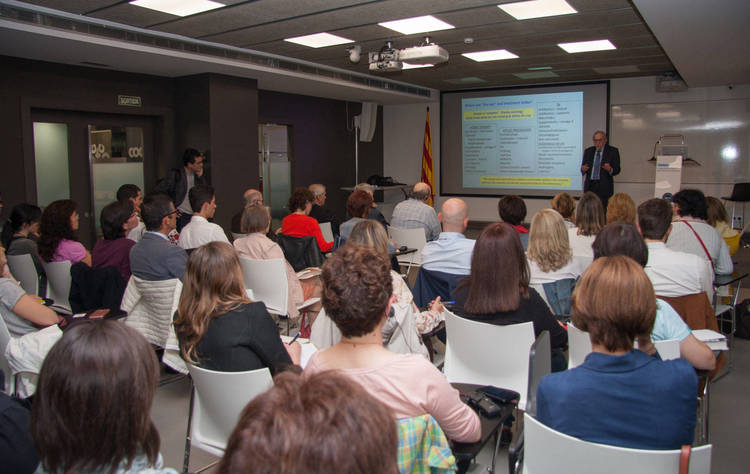 La conferéncia en la sede del COOOC despertó un gran interés