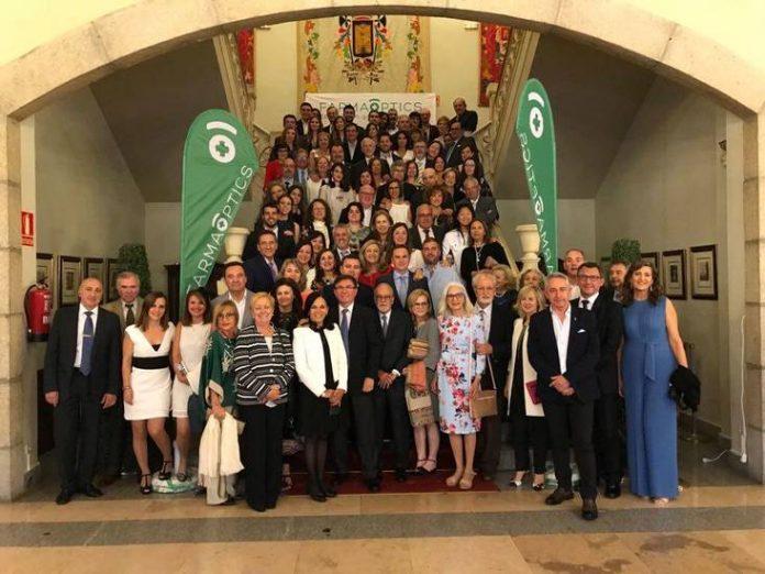 Imagen de los asistentes a la Asamblea de Farmaoptics