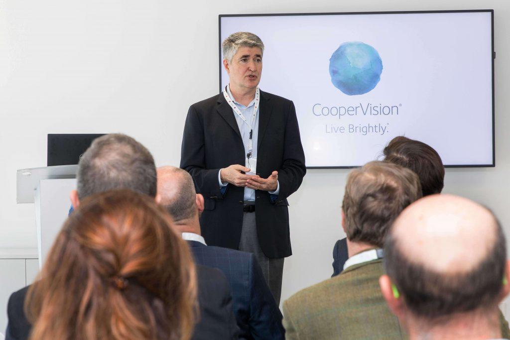 Dan McBride presidente The CooperVision Companies
