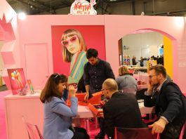 Agatha Ruiz de la Prada tiñó Milán de rosa