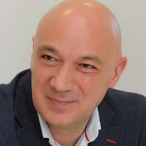 Alberto Cubillas Director General Carl Zeiss Vision España