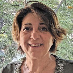 Elisenda Ibáñez Óptico-Optometrista MBA. Postgrado en marketing digital