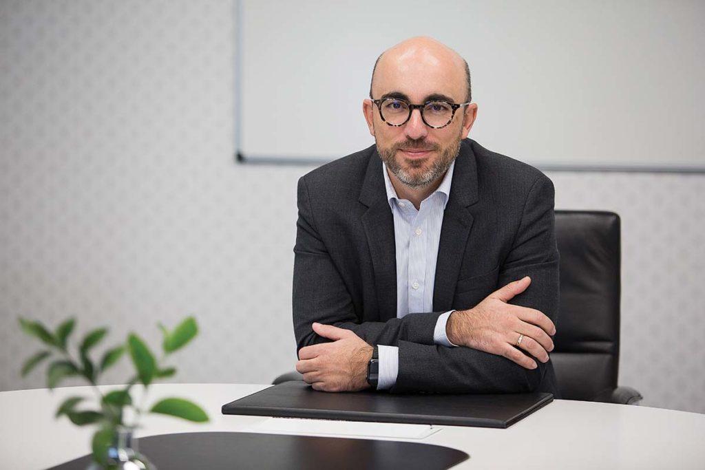 Carlos Crespo, director general de Multiópticas