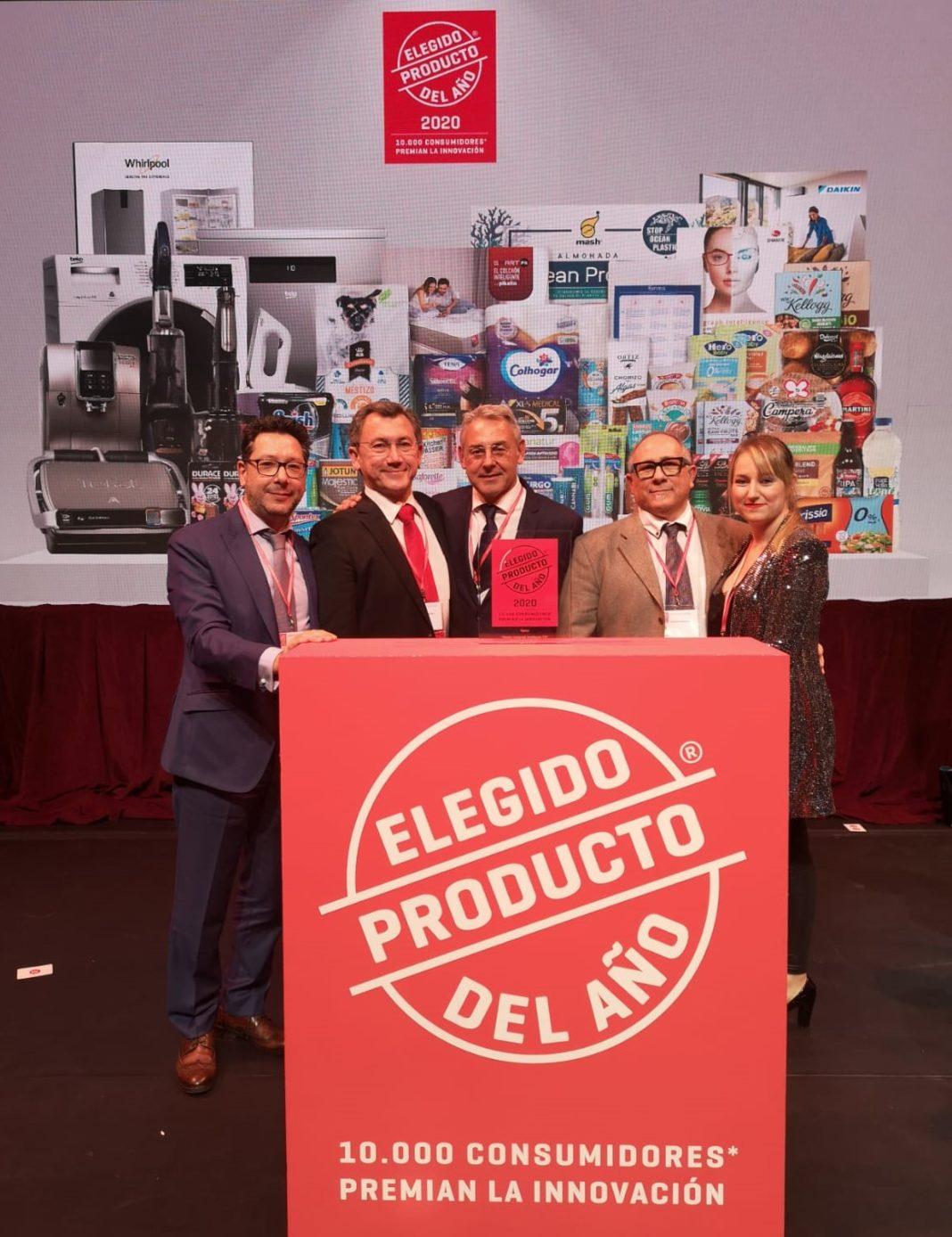 El equipo Shamir España producto del año