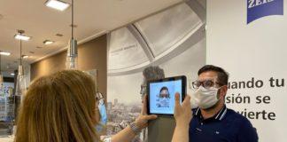 Zeiss i.Terminal mobile mantiene la distancia de seguridad necesaria para prevenir el contagio del virus en cada momento de la revisión visual