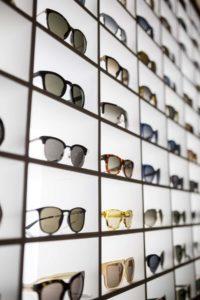 expositor gafas sol