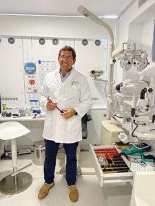 Lluís Puig, Óptico-Optometrista y Farmacéutico